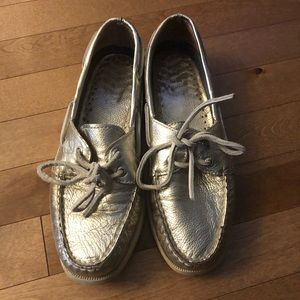   2 for 20$   Sperry gold metallic loafers
